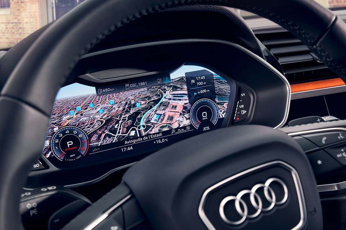 Audi-Q3-parousiasi-syndesimotita-cockpit-1200x800