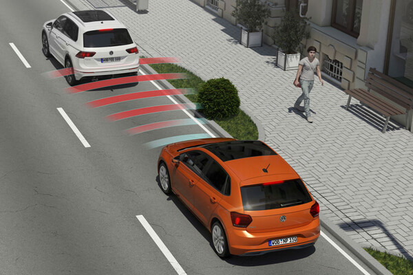 Volkswagen-Polo-600x400-front-assist