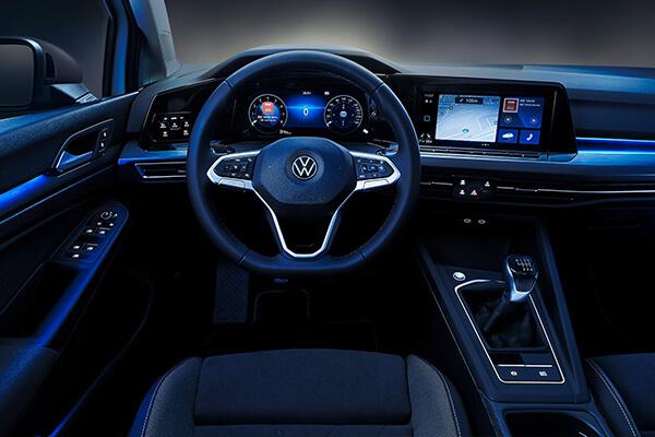 Volkswagen-Golf-parousiasi-interior-lightt-600x400