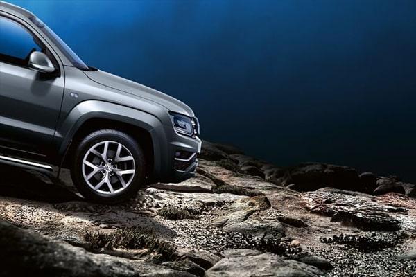 Volkswagen-Amarok-600x400-hill-assist-upovoithisi-katavasis-anomalou-dromou-min