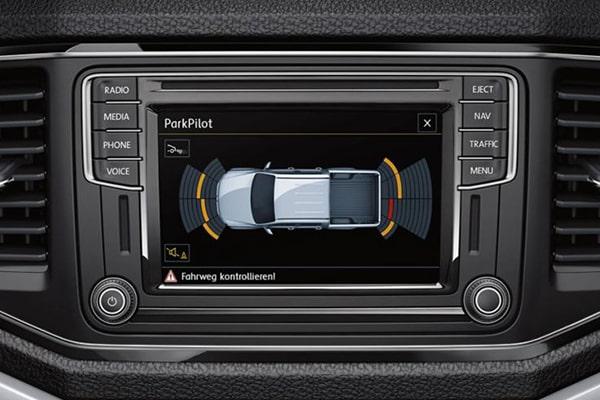 Volkswagen-Amarok-600x400-park-pilot-sustima-elegxou-xwrou-stathmeusis-min
