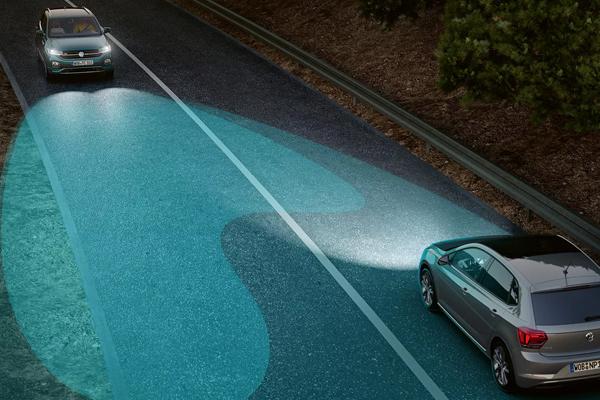 Volkswagen-T-Cross-auto-light-assist-600x400