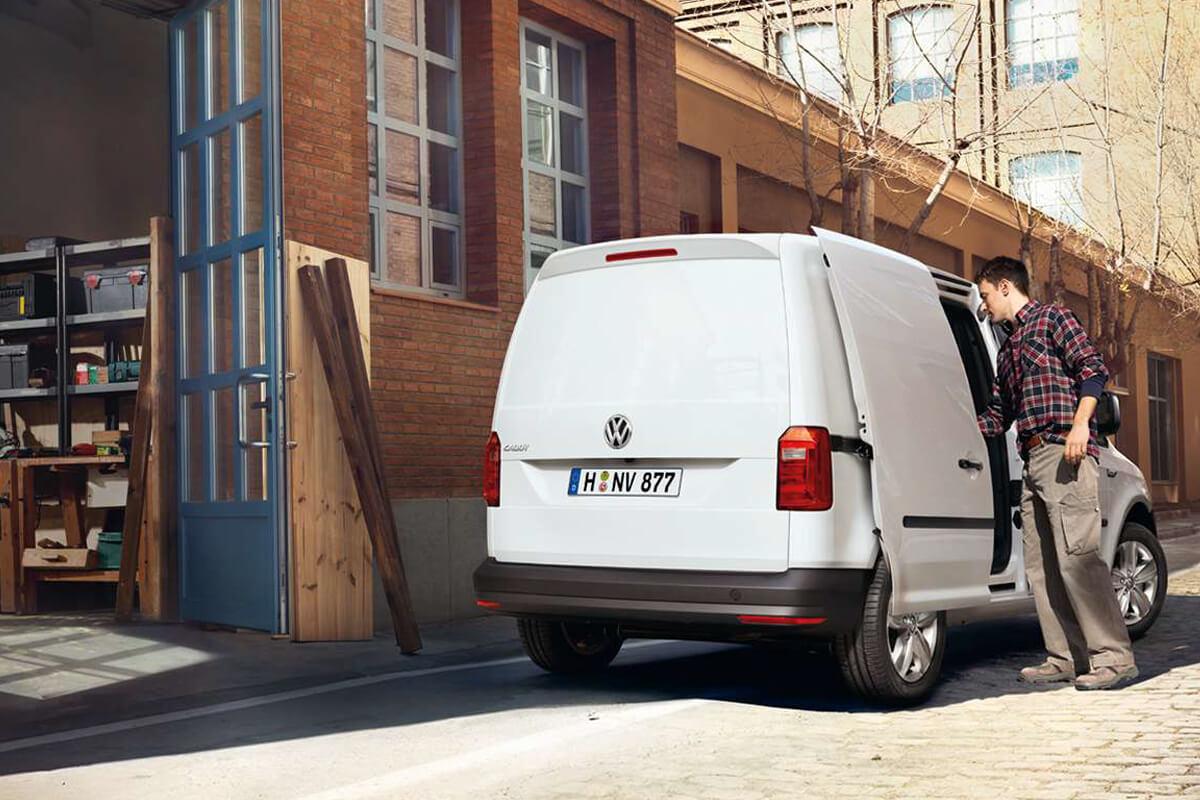 Volkswagen-Caddy-epaggelmatiko-gallery-1200x800-5