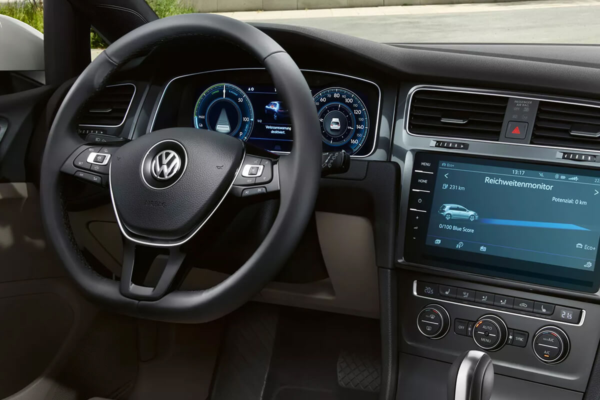 Volkswagen-e-Golf-gallery-1200x800-7-interior-infotainment