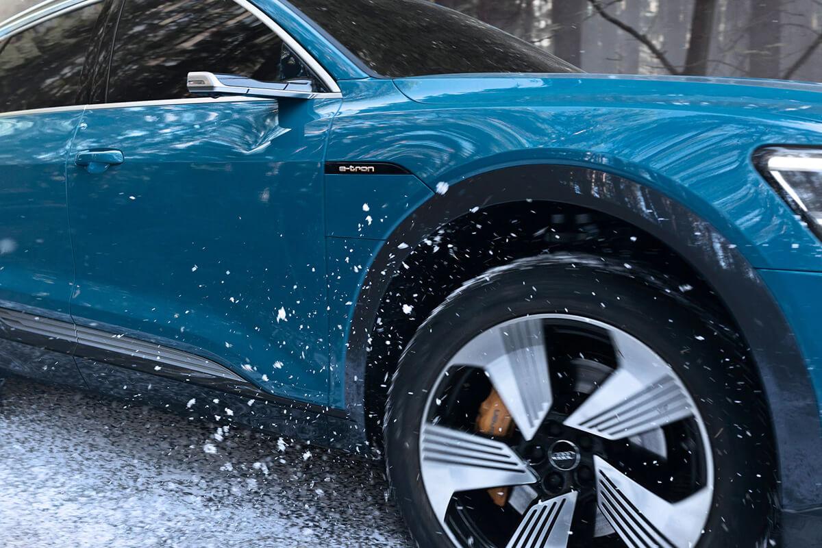 Audi-e-tron-apodosi-off-road-1200x800