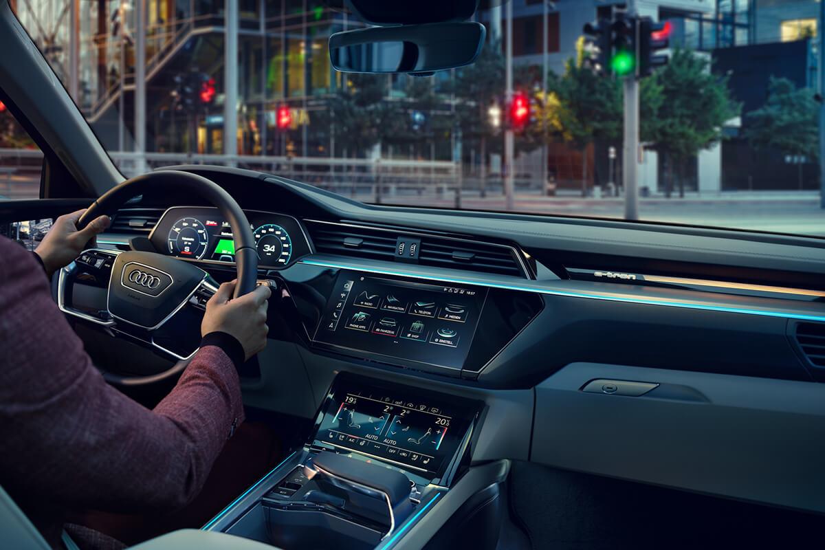 Audi-e-tron-gallery-1200x800-4b-interior