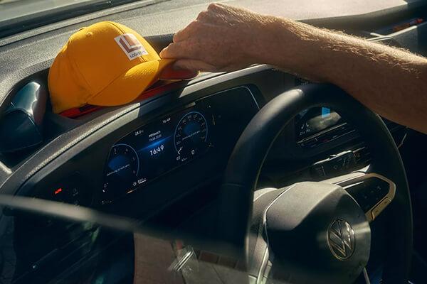 Volkswagen-Caddy-Van-cargo-dashboard-storage-600x400