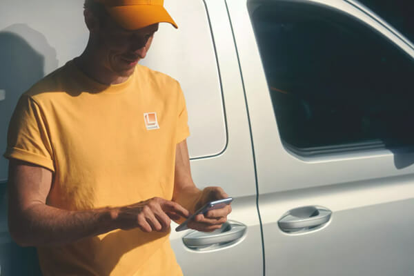 Volkswagen-Caddy-Van-wireless-hotspot-600x400