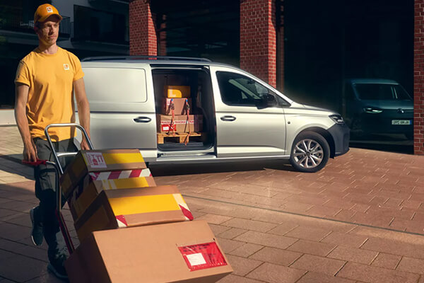 Volkswagen-Caddy-separate-load-compartment-locking-system-600x400