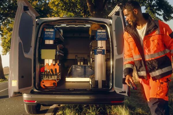 Volkswagen-Caddy-Van-cargo-space-solutions-600x400