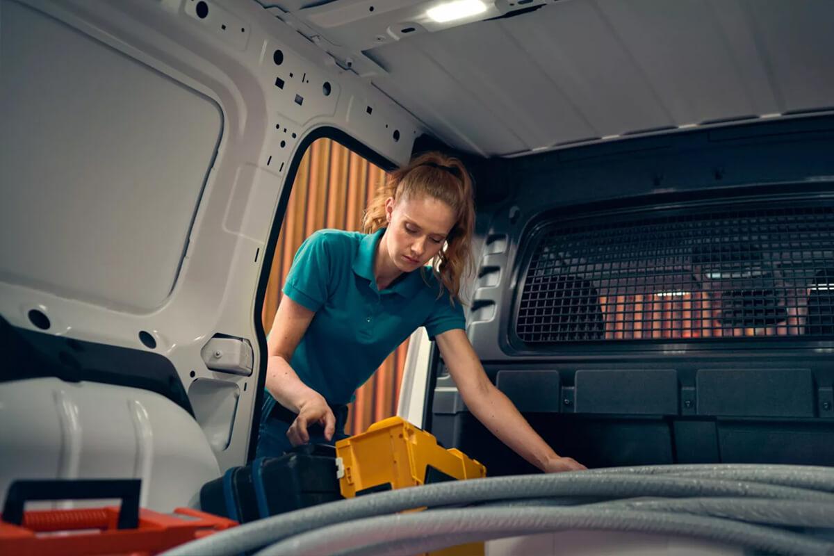 Volkswagen-Caddy-Van-cargo-storage-space-1200x800
