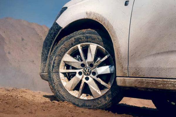 Volkswagen-Caddy-Van-4-motion-600x400