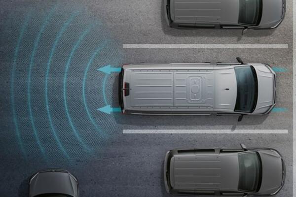 Volkswagen-Caddy-Van-blind-spot-sensor-park-assist-600x400