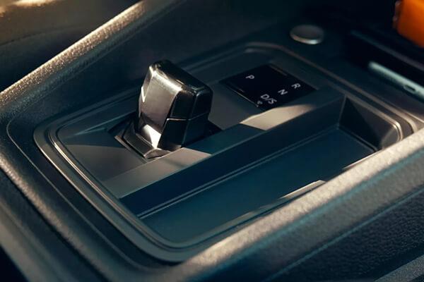 Volkswagen-Caddy-Van-dual-clutch-gearbox-DSG-600x400