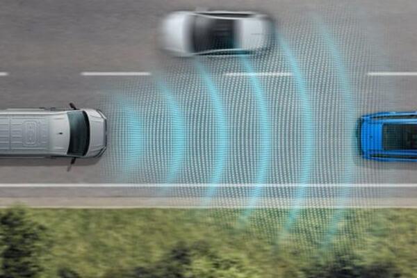 Volkswagen-Caddy-Van-travel-assist-active-cruise-control-600x400