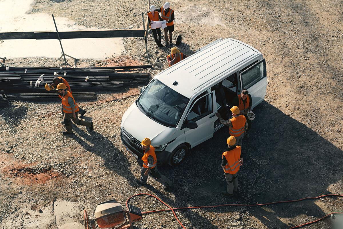 Volkswagen-Transporter-gallery-1200x800-4