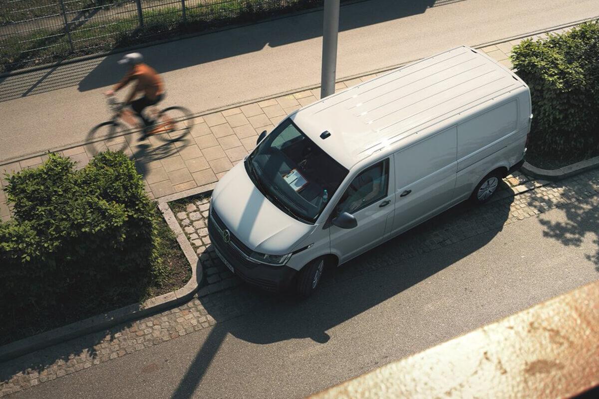 Volkswagen-Transporter-gallery-1200x800-10